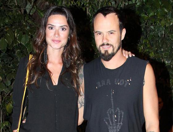 Paulo Vilhena e Thaila Ayala