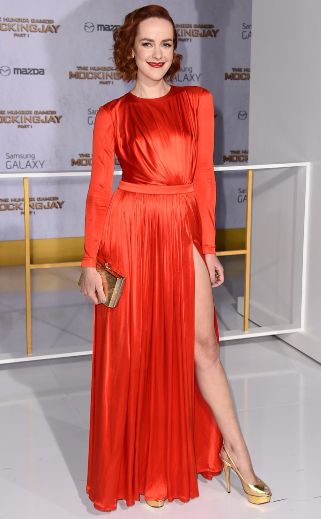 jena malone from the hunger games mockingjay premieres e news. Black Bedroom Furniture Sets. Home Design Ideas