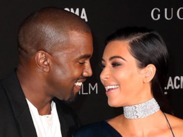 Kim Kardashian bleibt an Kanyes Seite, während er seinen Krankenhausaufenthalt fortsetzt