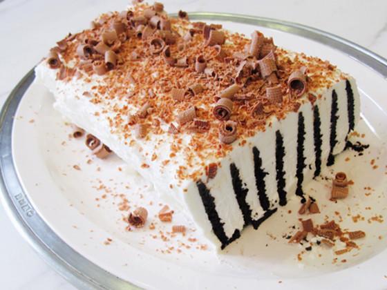 Jailbird Cake, GOOP