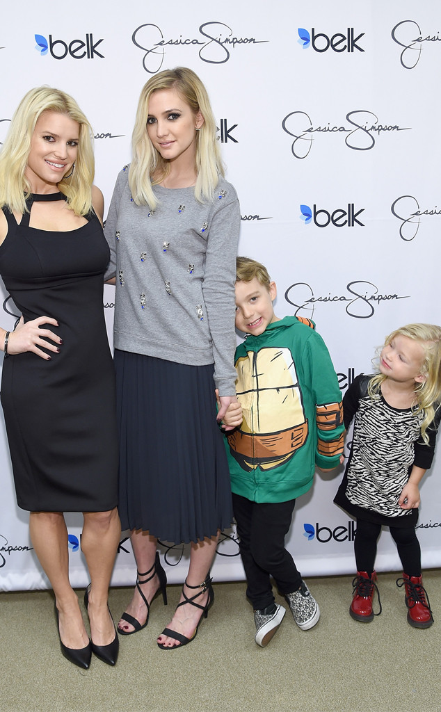 Jessica Simpson, Ashlee Simpson Ross, Bronx Wentz, Maxwell Drew Johnson