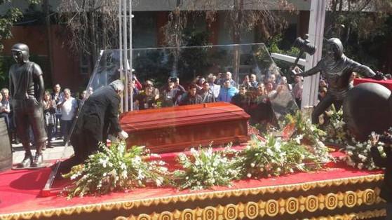 Fãs dão adeus à Roberto Bolaños, o eterno Chaves