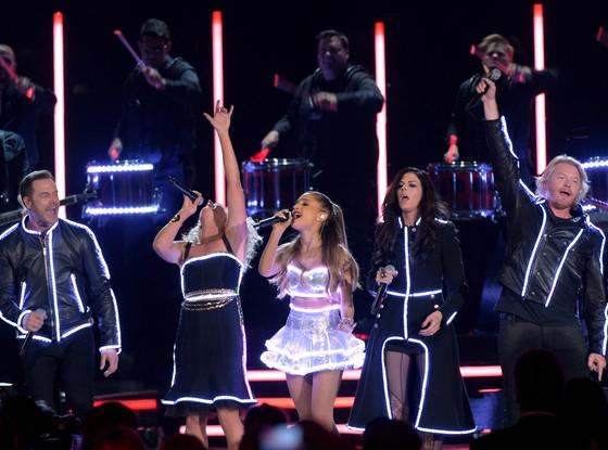 Ariana Grande, Little Big Town, CMA