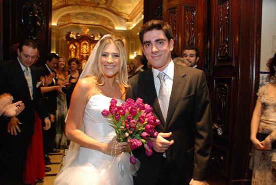 Marcelo Adnet manda parabéns para Calabresa depois de traição