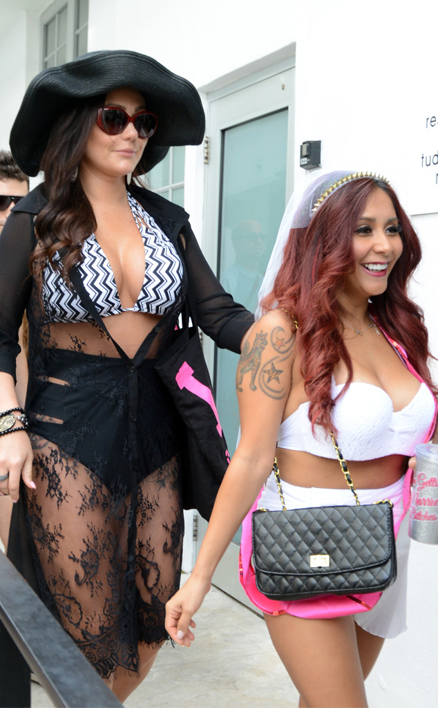 rs 634x1024 141108163051 634.JWowwSnooki jmd 110814 - How Jenni JWoww Farley and Nicole Snooki Polizzi Have Leaned on Each Other Through Thick and Thin