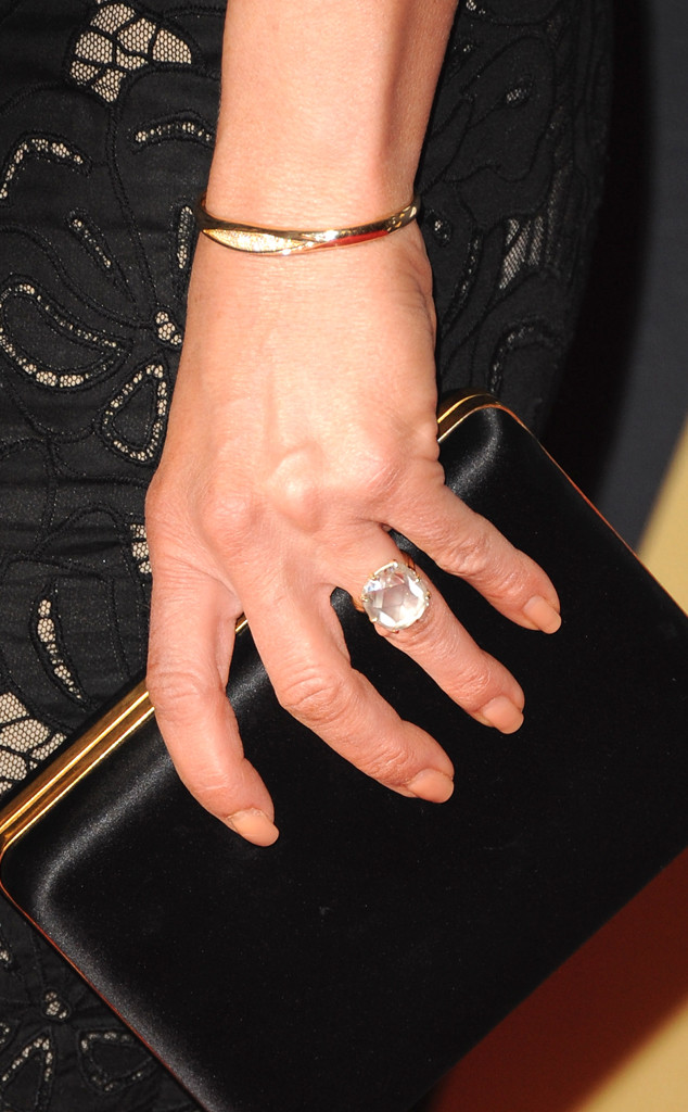 Jennifer Aniston, Ring