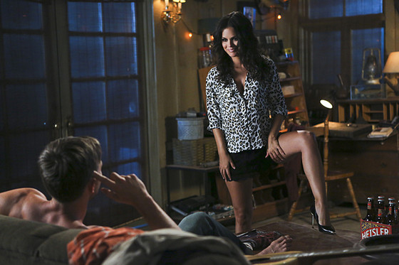 Find Out How Hart Of Dixie Handled Rachel Bilson S Real