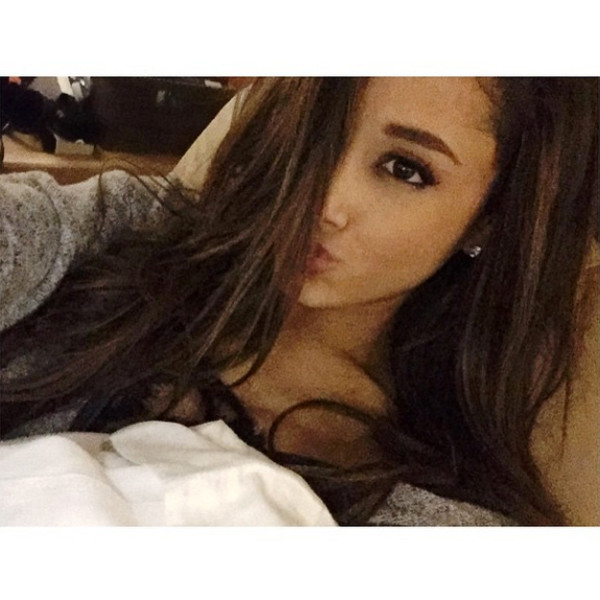 Ariana Grande Dyes Her Hair Back To Dark Brown See The Pic E News
