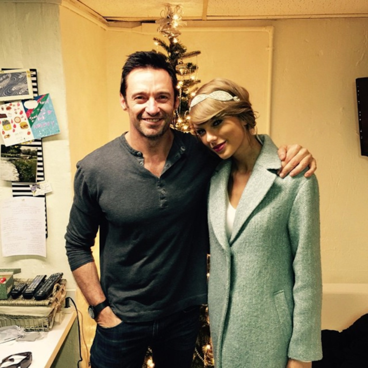 Taylor Swift Celebrates Christmas Eve With New Bff Hugh Jackman E Online