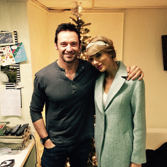 Taylor Swift Christmas.Taylor Swift Celebrates Christmas Eve With Hugh Jackman