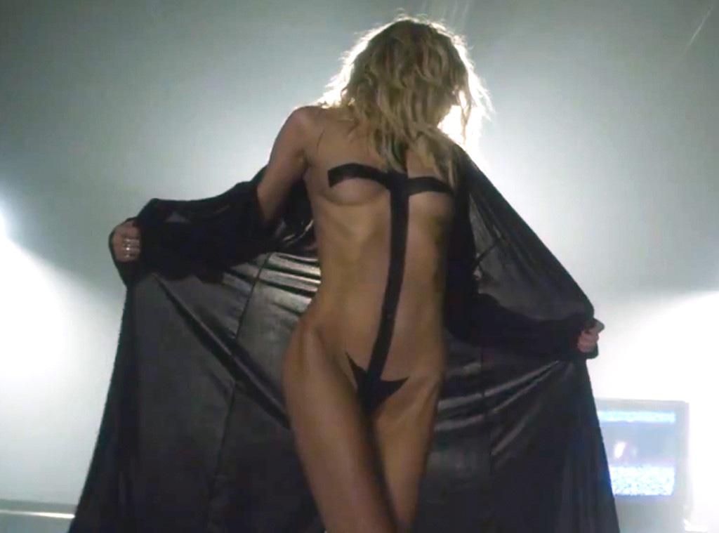 Nackt taylor momsen Free nude