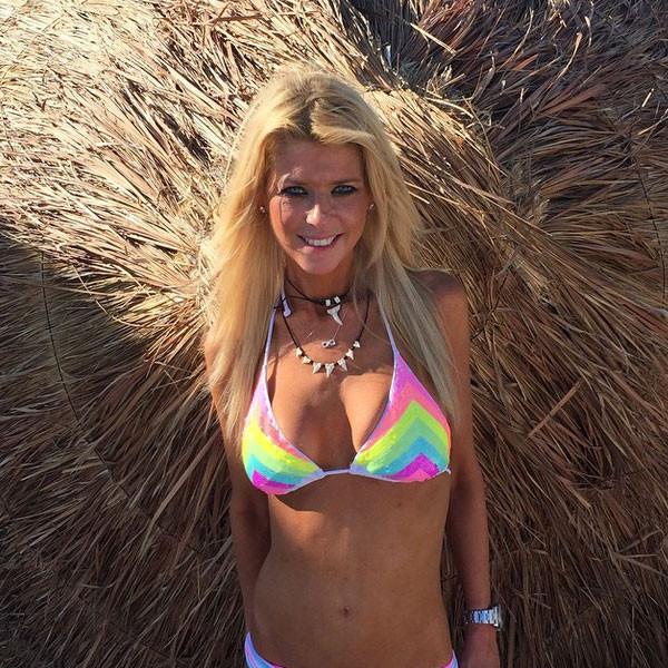 Tara reid nude in body shots