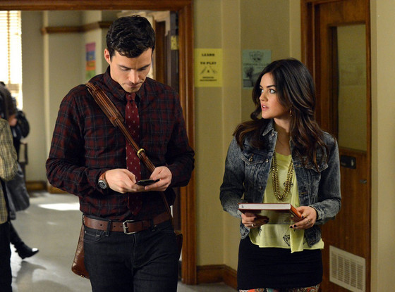 Pretty Little Liars Bombshell Aria Finds Out Ezras