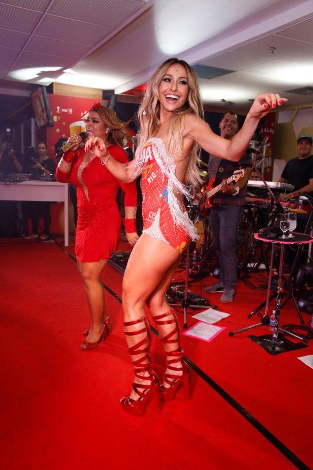 Sabrina Sato Bruna Marquezine Carnaval camarote Brahma Maracanã
