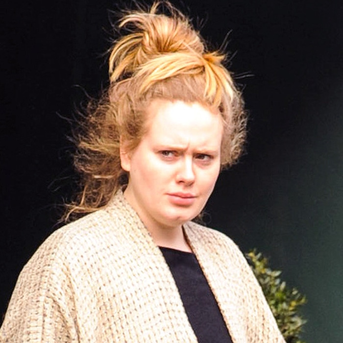 Adele Goes Makeup Free While Running Errands In London See The Pic E Online Ca