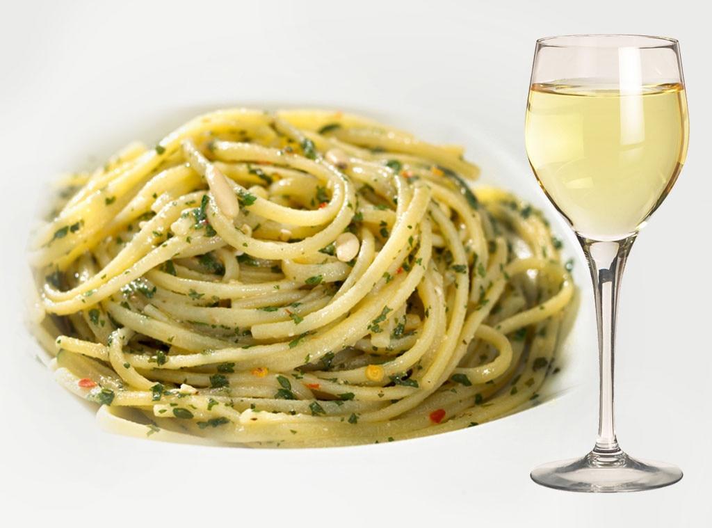 Italian Food and Wine Pairings, Linguine with Clam Sauce, Pinot Grigio