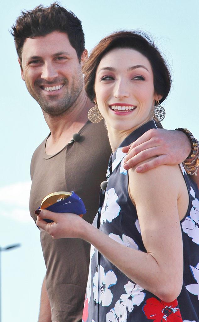 Meryl Davis ja Max Chmerkovskiy dating Rachel lähtö laskenta dating