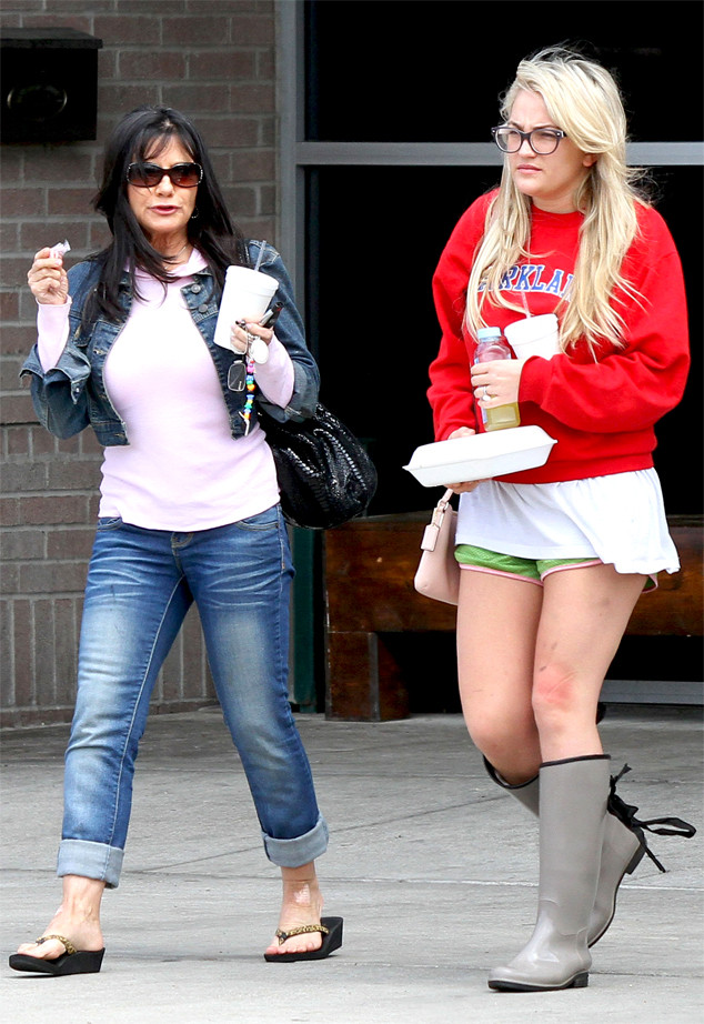 Britney Spears Heads To Louisiana For Jamie Lynn S Wedding