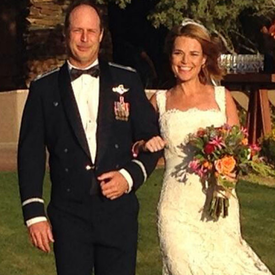 Savannah Guthrie Is Married And Pregnant E Online