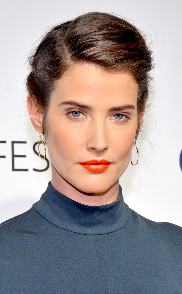 Beauty Police Cobie Smulders Looks Like A Naughty Librarian And We