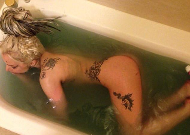 Lady Gaga pelada