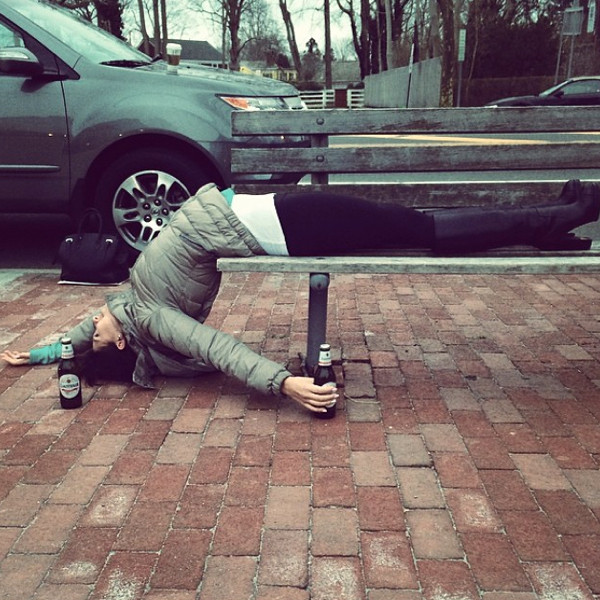 Hilaria Baldwin Shares Funny Drunk Yoga Pose Photo For St Patrick S Day See The Pic E Online Ca