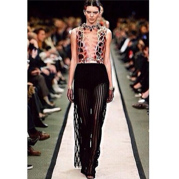 Kendall Jenner Rocks Givenchy Show At Paris Fashion Week E News
