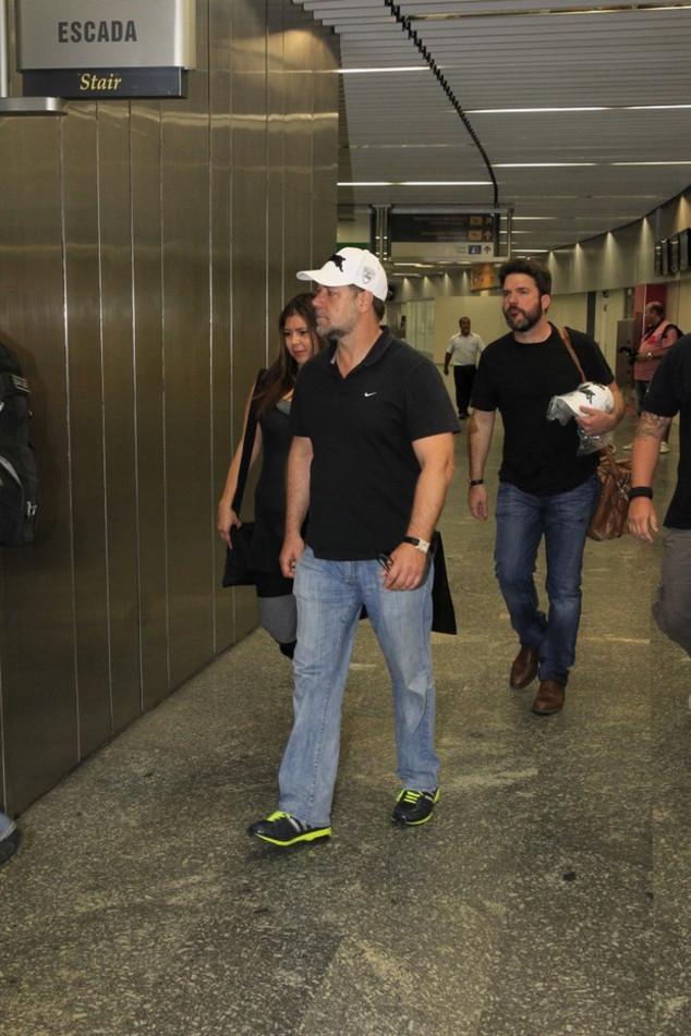 Russell Crowe desembarca no Brasil para divulgar Noé