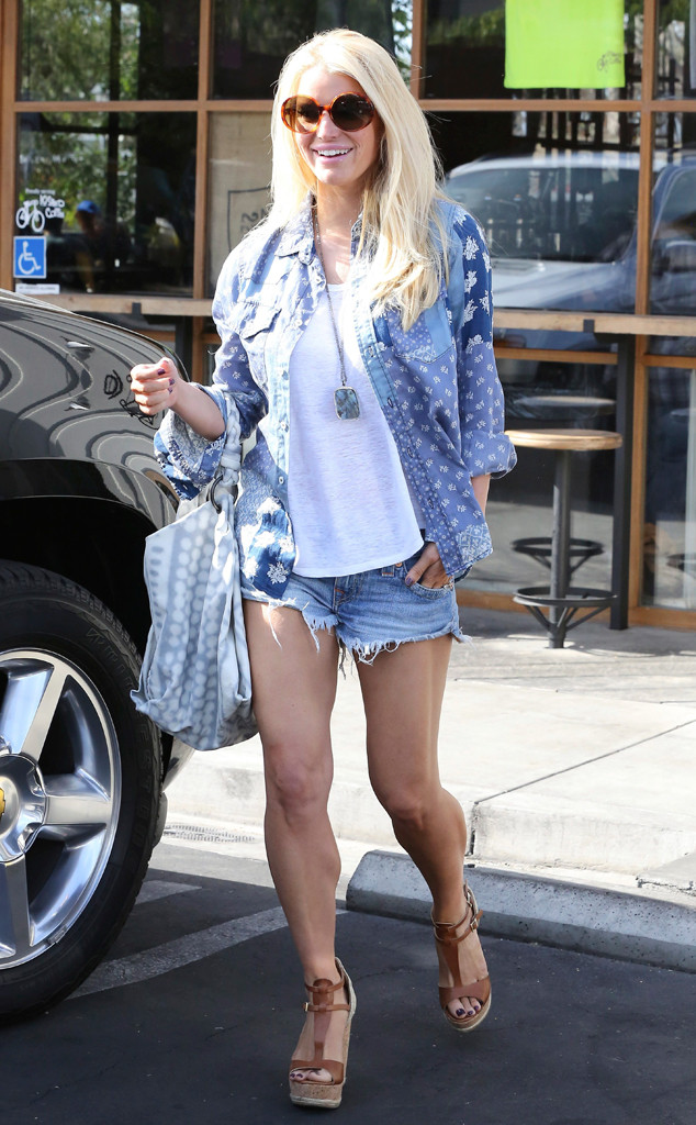 Jessica Simpson Is Back In Her Daisy Dukes After Estimated