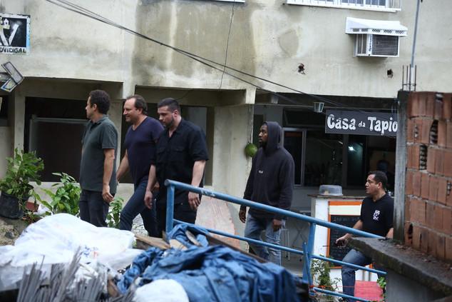 Kanye West visita favela Morro do Vidigal