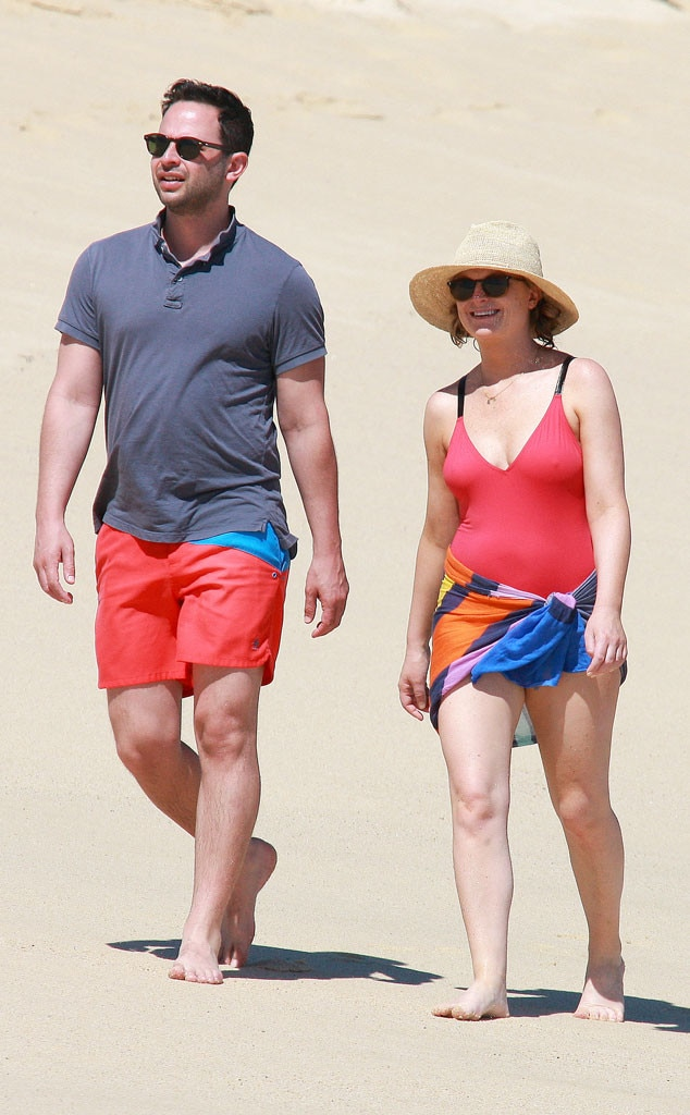 Is amy poehler dating nick kroll