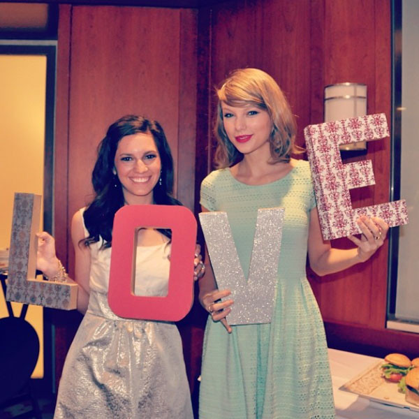 Taylor Swift, Gena, Instagram