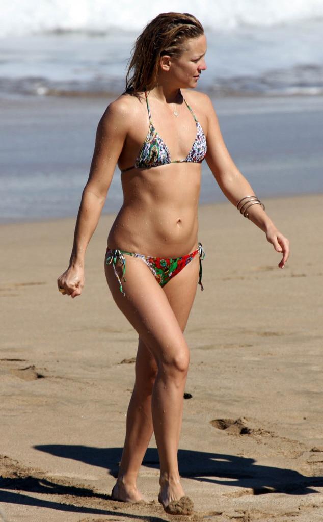 kate-hudson-black-bikini-classic-mature-movies