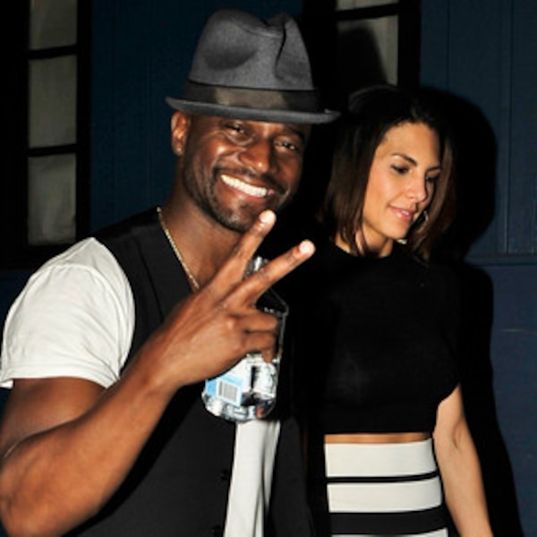 diggs dating Xem video taye diggs was married to idina menzel for 11 years, but is now dating mixed race model and actress amanza smith.