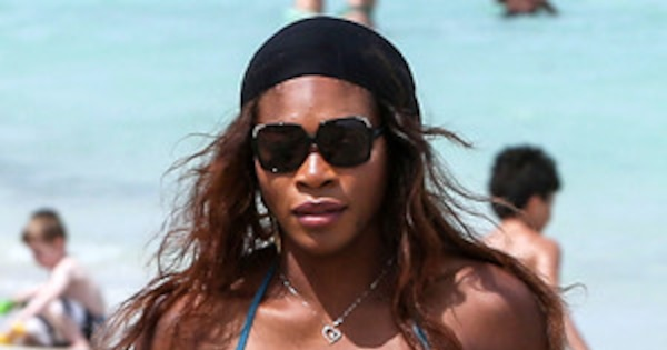 Serena Williams Shows Off Hot Body And Sexy Cleavage In A