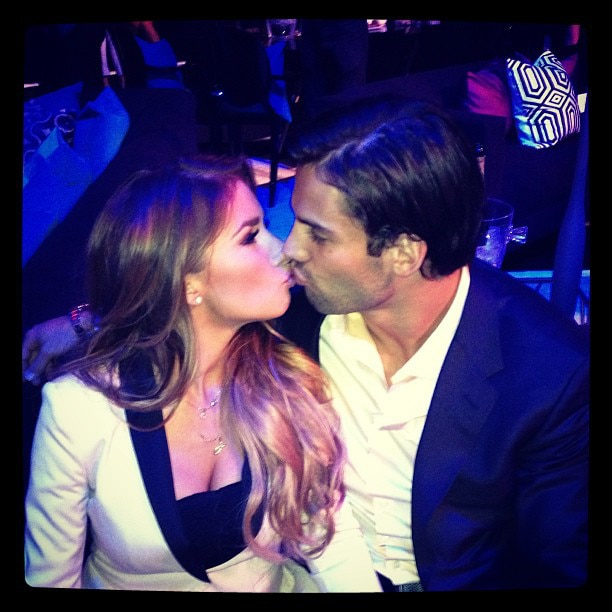 Eric Decker and Jessie James Pucker Up