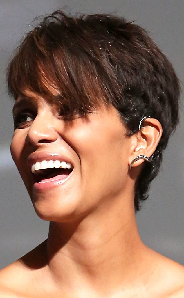 Halle Berry, Ear Cuff