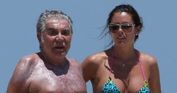 sale retailer edc75 0c941 Roberto Cavalli, 73 anni, e la sua ragazza più giovane ...