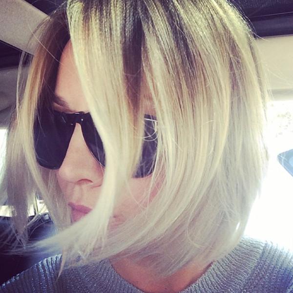 Kaley Cuoco, Hair