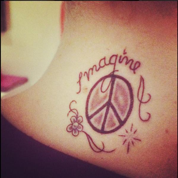 Martina Stoessel, tatuaje