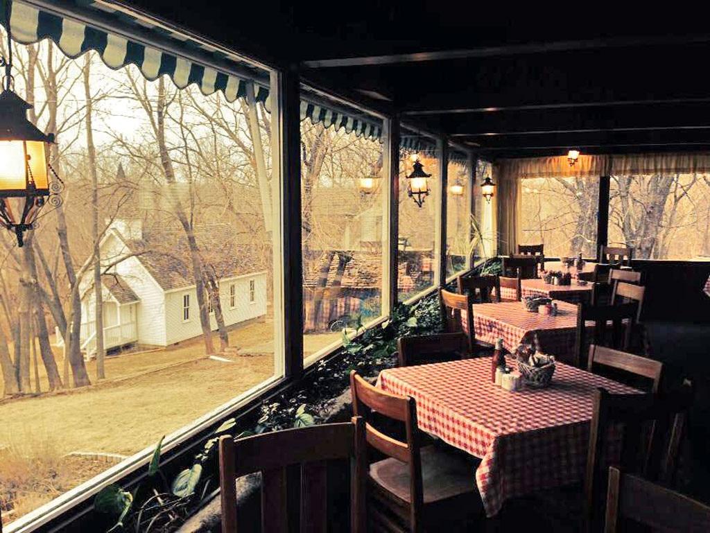 Kansas City Restaurants, Stroud's