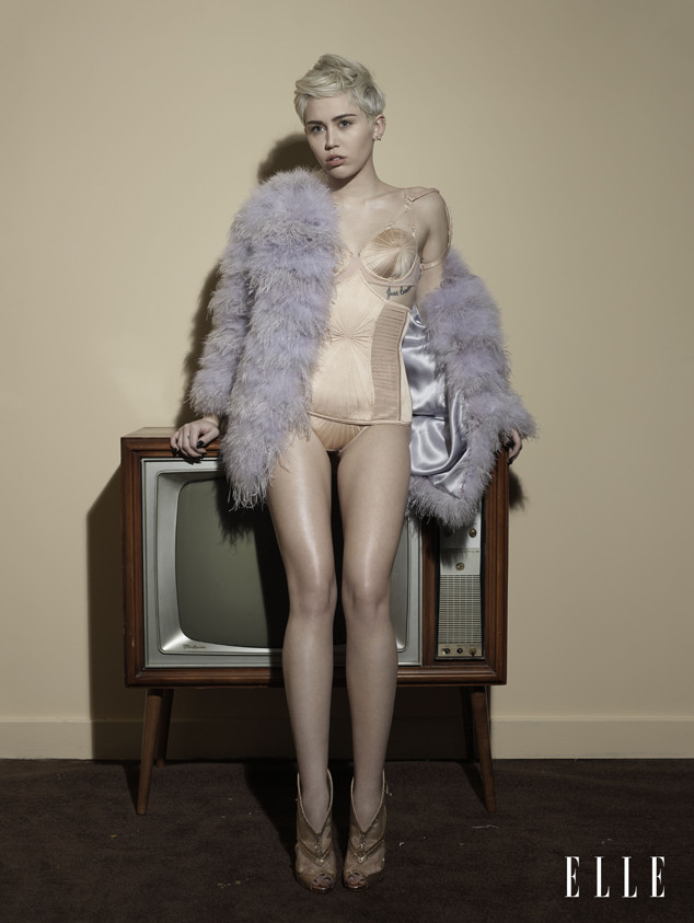 Elle, Miley Cyrus