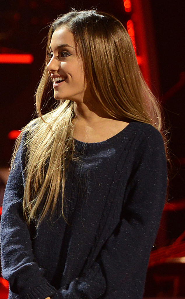 Ariana Grande Takes Her Hair Out Of Her Signature Pony  E News-9120