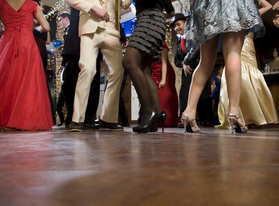 Prom, Dancing
