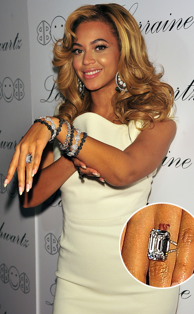 Jay Z Wedding Ring Beyoncé Removi...