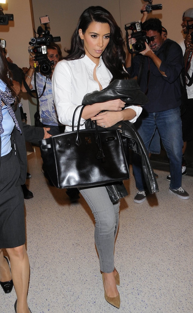 Kim U0026 Khlo U00e9 In Eleganten Reise Outfits Am Flughafen