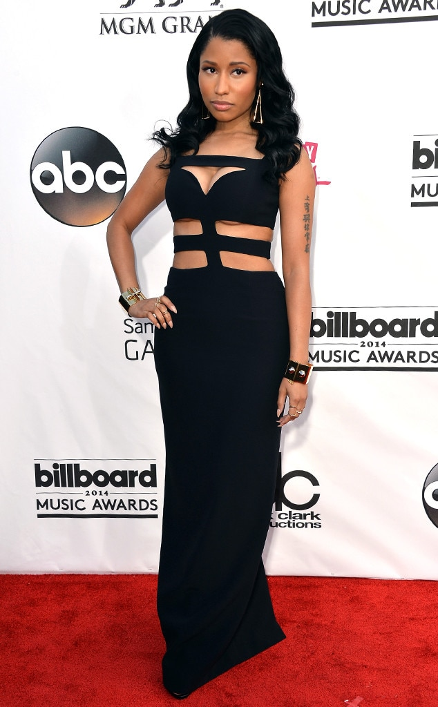 Nicki Minaj -  Barbz, the rapper looks simply divine in her black gown.