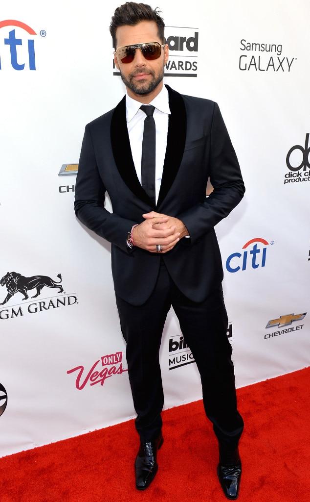 Ricky Martin -  Nice shades!