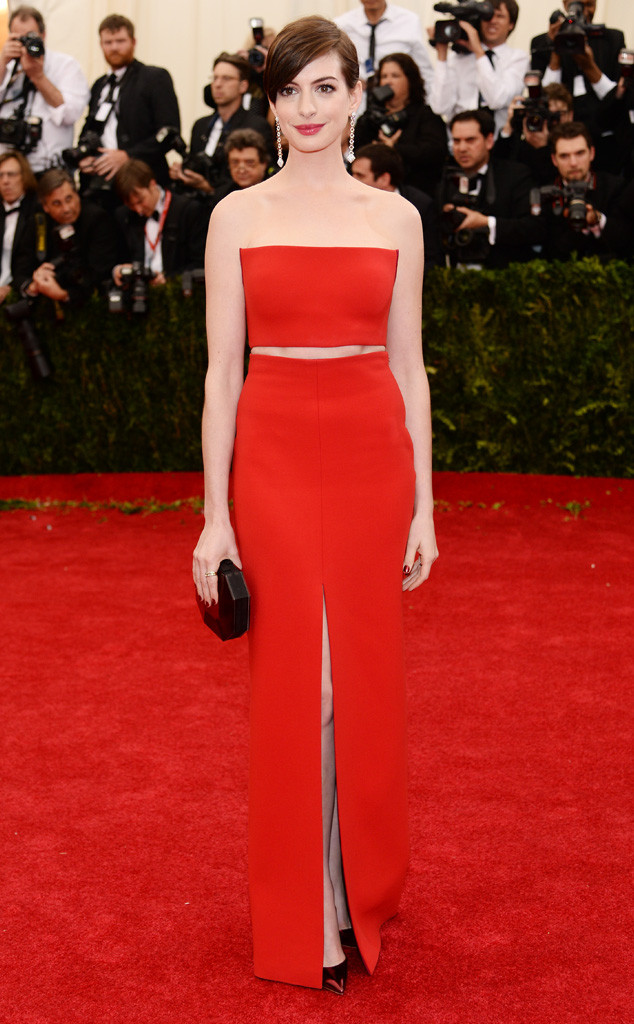 Anne Hathaway Wears Gold Hooded Dress to 2015 Met Gala: What Do You ...