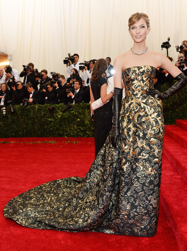Taylor Swift Looks Like A Princess After Her Met Gala Ball